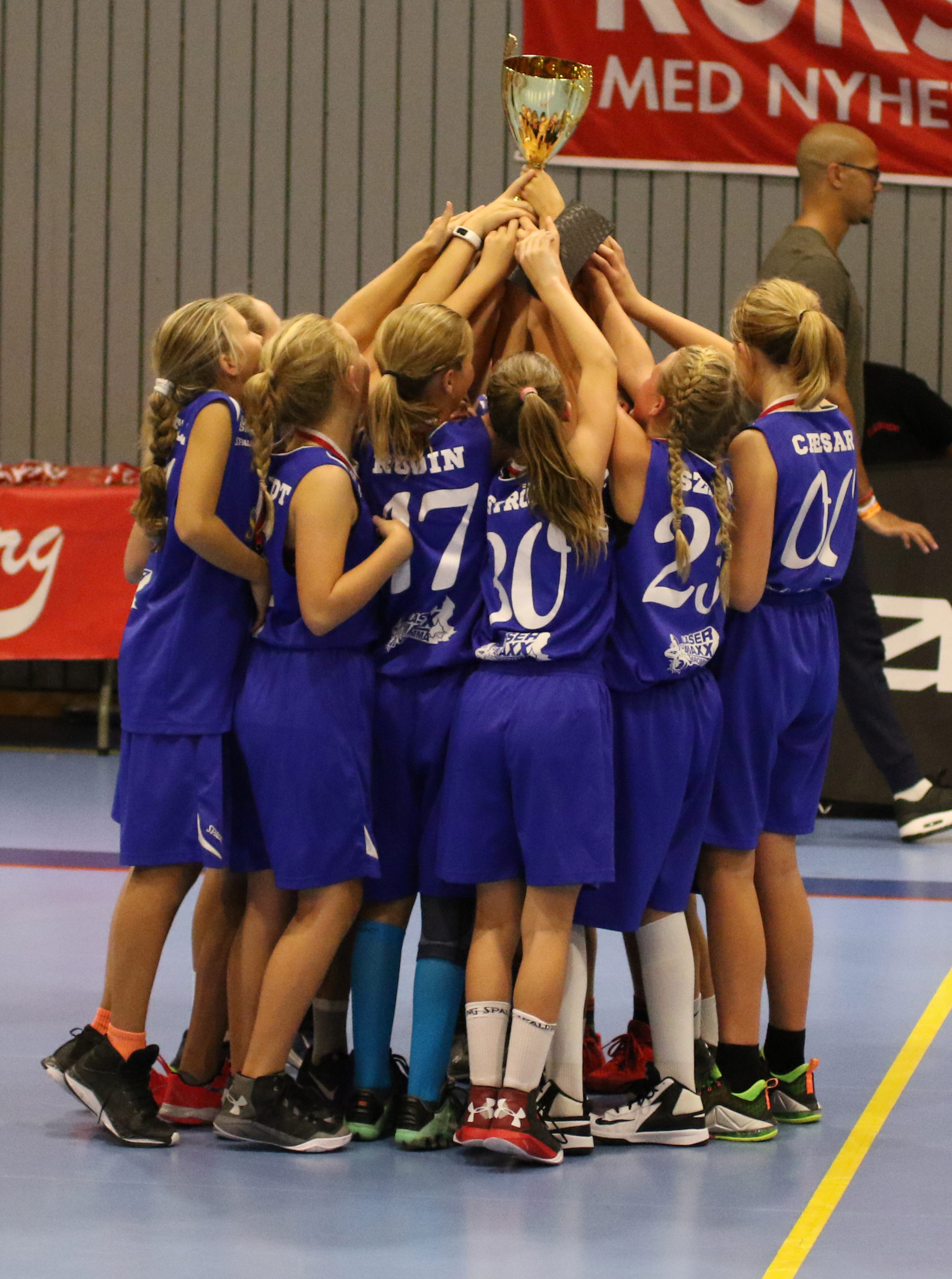 blackeberg basket cup